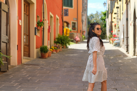 Fashionable vintage Walking In Italian Town 版權商用圖片