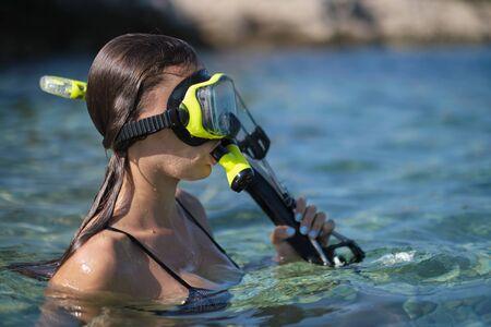 Pistolet de chasse sous-marine Aqua woman plongeur.
