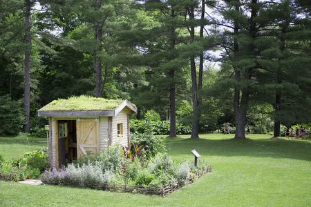 屋上庭園で庭の小屋