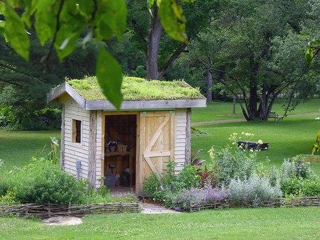 Cabanon avec Roof Garden Banque d'images - 44893500