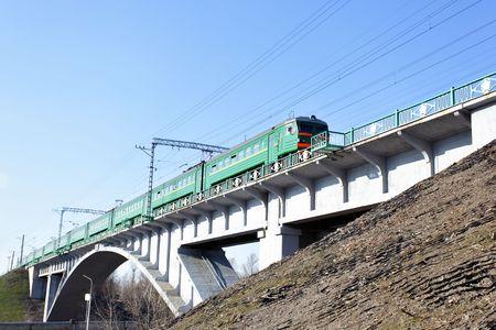 brige: El�ctrico de trenes de cercan�as en la unidad brige