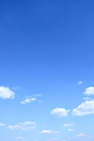青い空と雲、背景として使用することがあります 写真素材