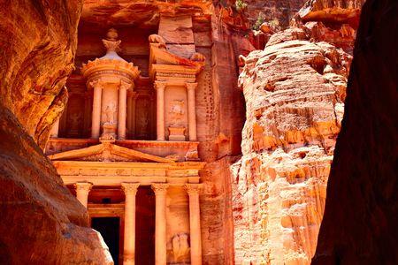 khazneh: Treasury temple at Petra (Al Khazneh), Jordan Stock Photo