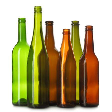 leere flaschen: Leere Flaschen, die �ber dem wei�en Hintergrund isoliert