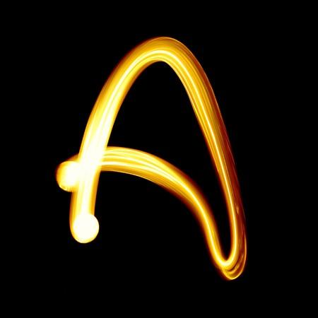create: Creato da alfabeto luce su sfondo nero