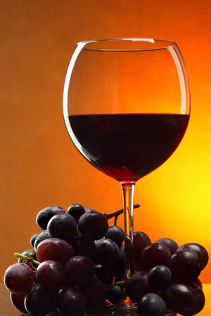 Still life with bunch of grapes and red wine Stock Photo - 7776096
