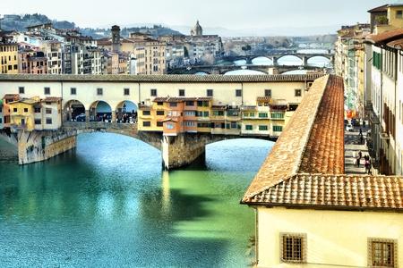 arno: Bridge Ponte Vecchio on Arno river in Florence, Italy