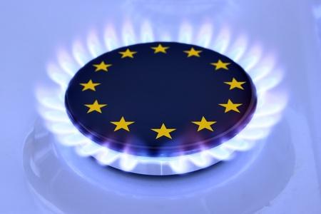 Gasflamme und Europäischen Union zu unterzeichnen auf dem Herd