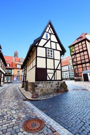 Alte Straße in Quedlinburg, Deutschland Lizenzfreie Bilder