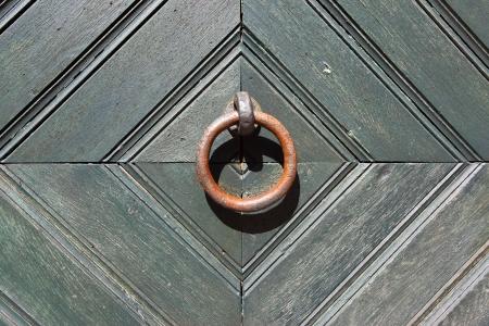 mettalic: Ring door handle close up
