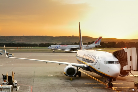 barajas: MADRID - MAY 12: Boarding on aircraft in Barajas Airport at early morning May 12, 2012 in Madrid Editorial