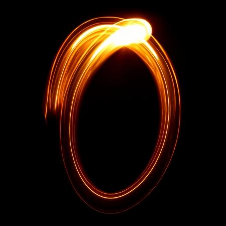 O - durch Licht Buchstaben abgebildet