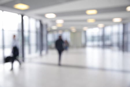 ピント ・背景のボケ味の空港の廊下 写真素材