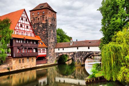 Maxbrucke Brücke und Henkerturm Turm in Nürnberg, Deutschland