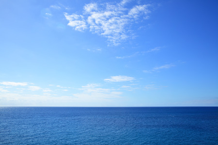 Atlantic ocean - beautiful seascape sea horizon and blue sky, natural photo background 스톡 콘텐츠