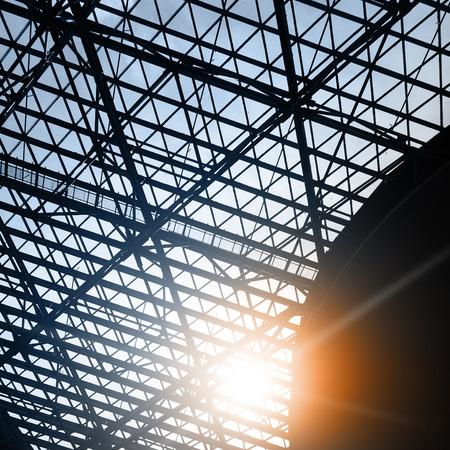 Ventana del tragaluz - fondo arquitectónico industrial