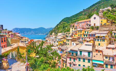 Panoramic view of Vernazza small town by the sea in Cinque Terre National Park, Italy Reklamní fotografie - 129635947