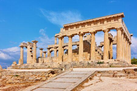 Ancient temple of Aphaea in Aegina Island in Greece , Saronic Islands 版權商用圖片
