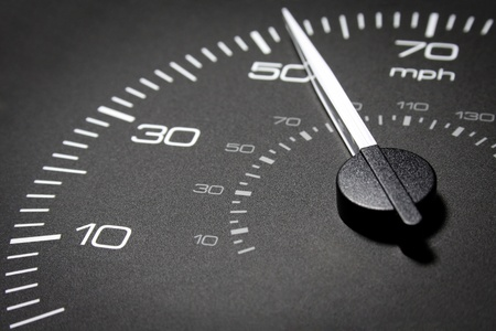 velocímetro: Car dashboard