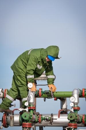 compresor: Operador de Producci�n de Gas Foto de archivo