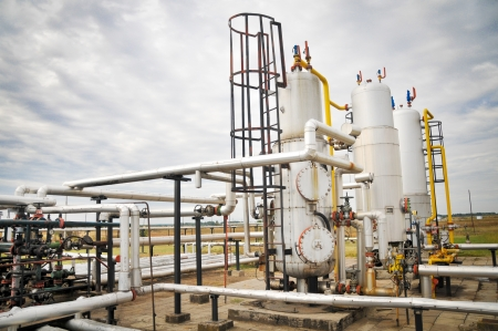 complex system: Oil and gas processing plant