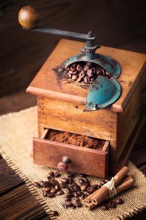 tatter: molino de caf?iejo Foto de archivo