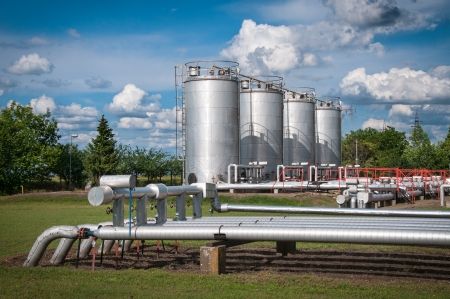 natural gas: Oil and gas processing plant