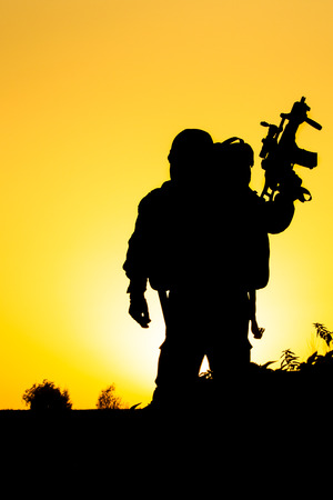 silhouette soldat: Soldier silhouette Banque d'images