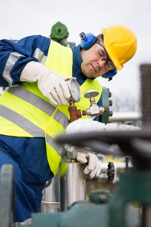 recursos naturales: Operador de Producci�n de Gas Foto de archivo
