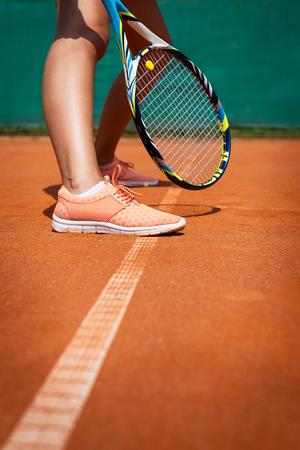jugando tenis: Jugando tenis