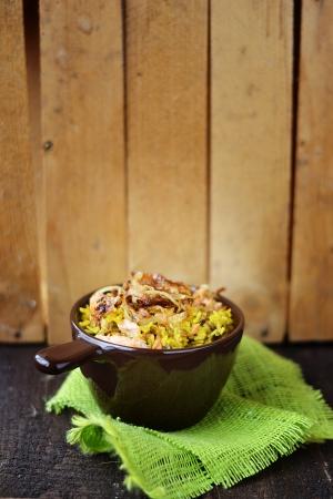 masala: arroz indio en el plato Foto de archivo