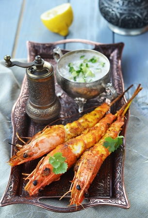 sause: grilled shrimps  with indian sause