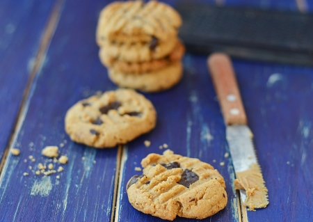 peanut butter cookies with chocolate photo