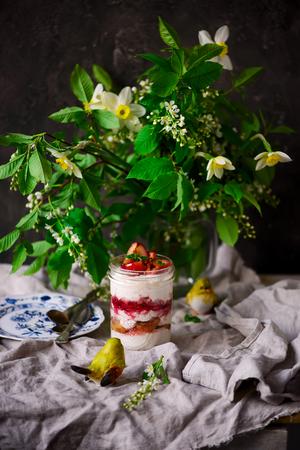 Fromage cottage et dessert aux pommes.