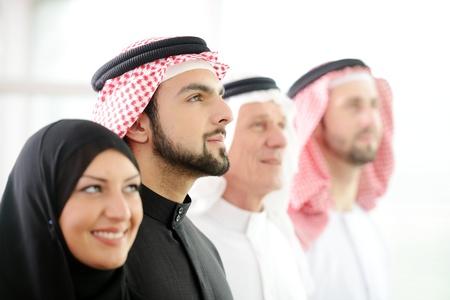 Erfolgreich und glücklich Business-Leute arabisch Nachschlagen Standard-Bild - 20135894