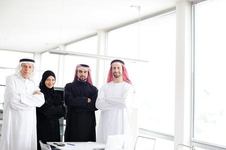 gulf: Arabic team work