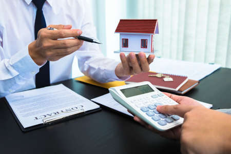 Contract sales presentation Real estate Sales of houses Calculation of house sales rates.