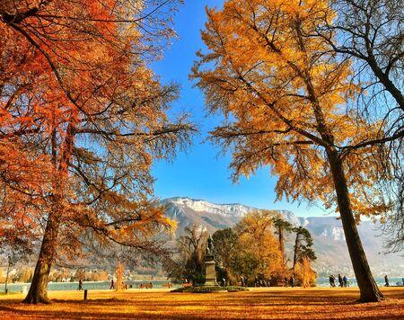 Annecy en otoño