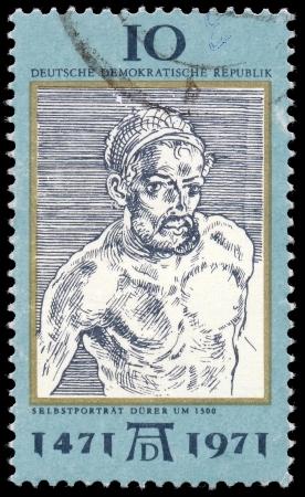 engraver: DDR - CIRCA 1971 un francobollo stampato in DDR mostra Self-Portrait, da Durer, 500 � anniversario della nascita di Albrecht Durer, pittore e incisore, circa 1971 Editoriali