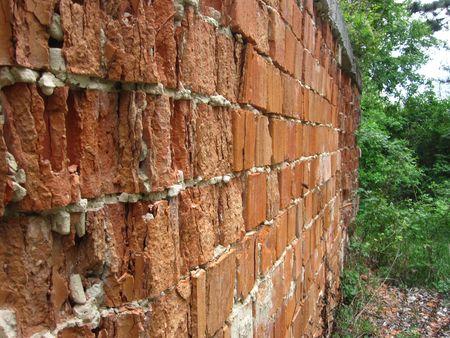 crumbling: crumbling wall