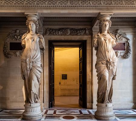 Paris Louvre Editorial
