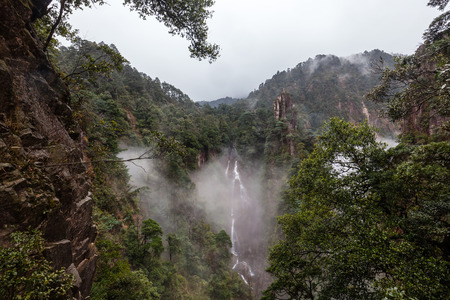 mang: Hunan Mangshan devils Falls Village