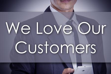 私たちの顧客 - テキスト - 事業コンセプトと青年実業家 - 水平方向の画像を愛します。