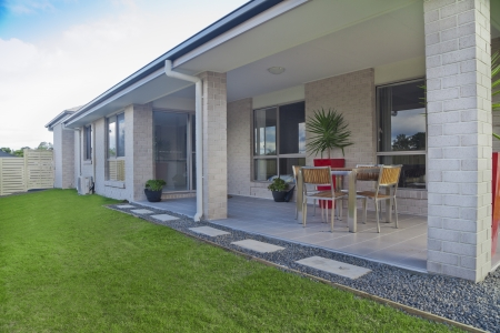 Modern backyard with entertaining area in stylish Australian home Stock Photo - 16791395