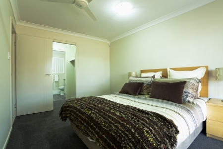 ensuite: Stylish double bedroom with ensuite in Australian townhouse