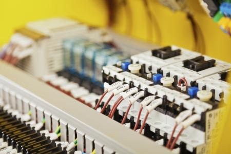 Composants électriques, les interrupteurs et le câblage