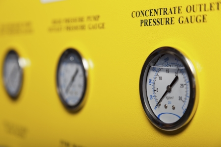 depth measurement: High pressure pump gauges