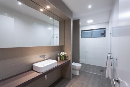 Modern bathroom in stylish Australian home Stock Photo - 18432918