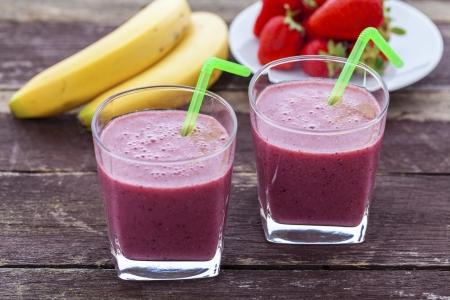 Banana, strawberry, chia seed and honey smoothie