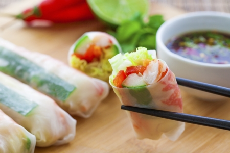 Rice paper rolls with prawns and dipping sauce Stock Photo - 18999476